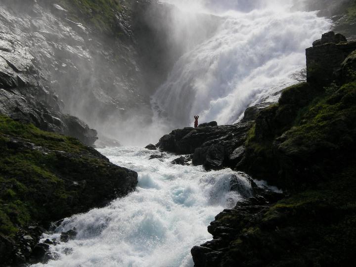 Водопад Чосфоссен Kjosfossen